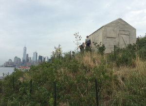 Rachel Whiteread, Cabin, concrete and bronze, installation view on Governors Island, 2016.